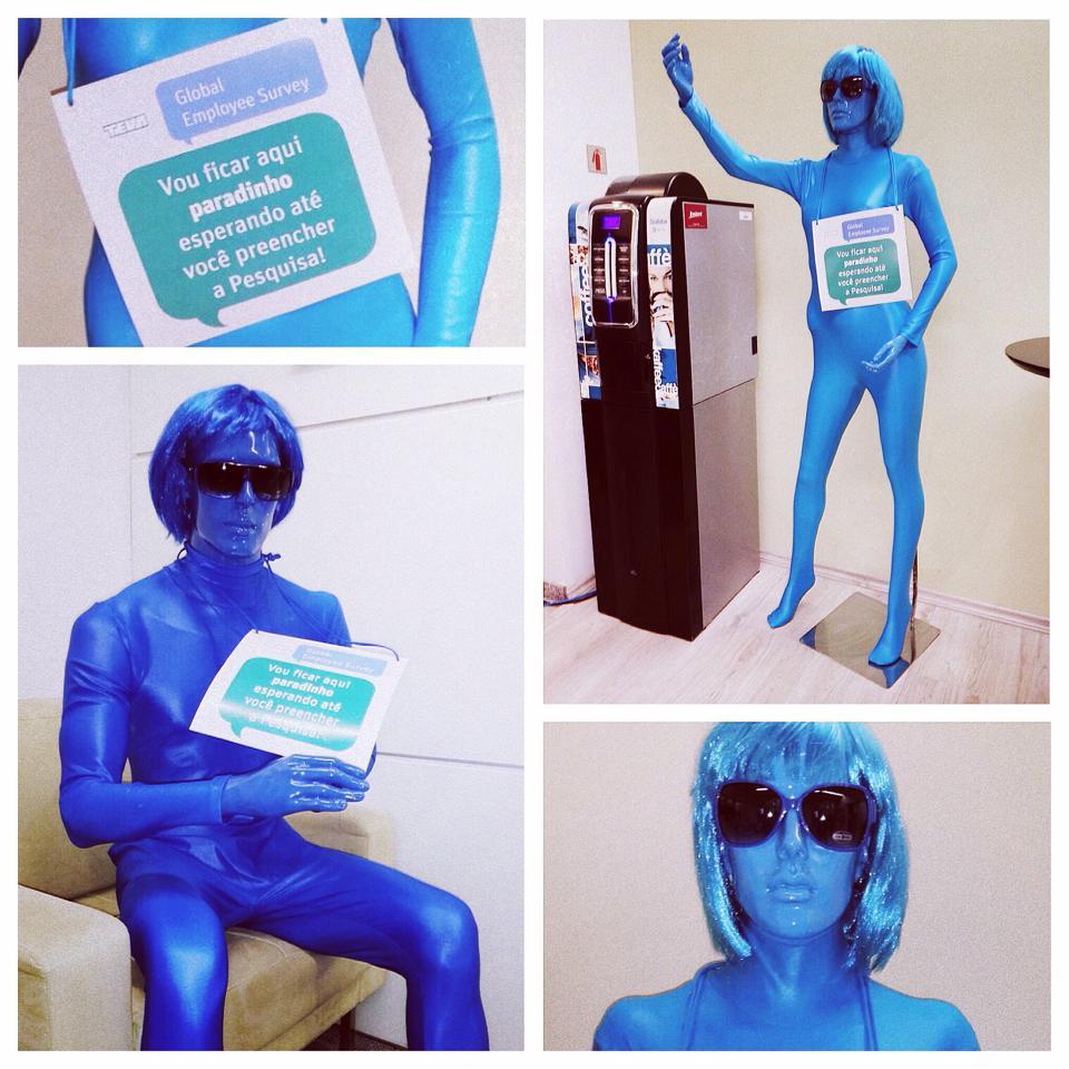 manequins azuis